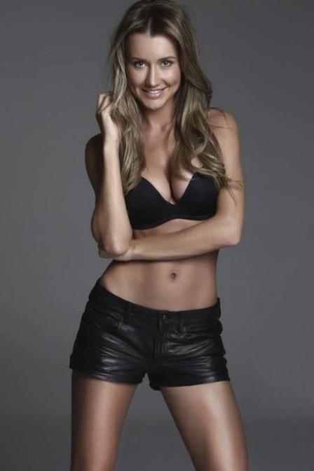 Ana Paula Siebert, namorada de Roberto Justus, investe em treino funcional para manter os 56kg: ?Estou adorando?