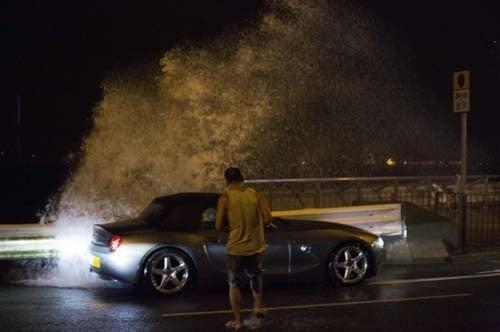 Tufão mata 20 pessoas no sul da China e provoca danos em Hong Kong