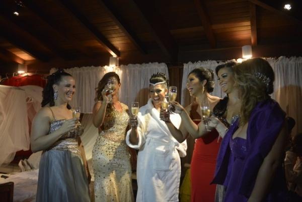 Naldo e Ellen Cardoso se casam no Rio de Janeiro