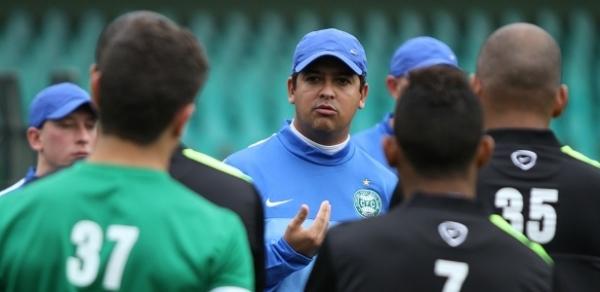Técnico do Coritiba é demitido após derrota em casa na Sul-Americana