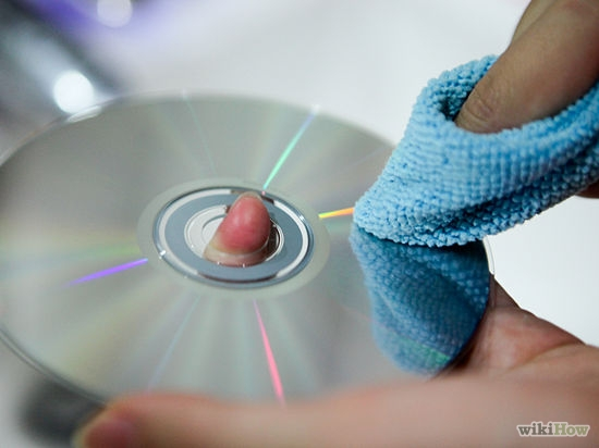Quais são os sinais de degradação de um disco DVD e como conservar?