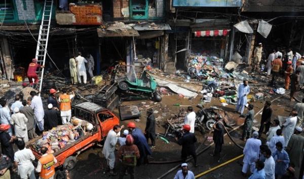 Explosão de bomba deixa mortos e feridos no Paquistão