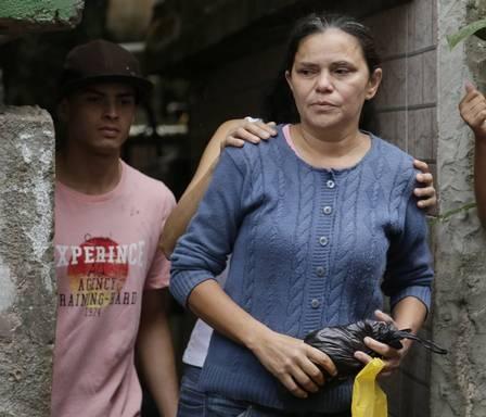 Menina é estuprada e morta em terreno perto da UPP da Rocinha