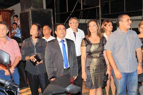 Prefeitura Municipal de Fronteiras realiza primeira grande festa em homenagem aos pais e sorteia diversos prêmios