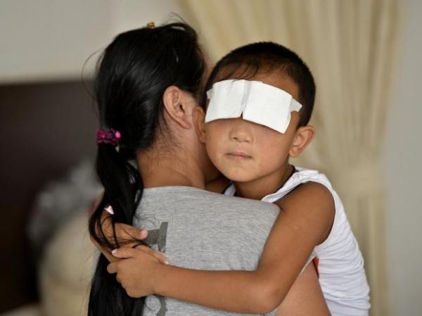 China: polícia suspeita que tia arrancou olhos de menino de 6 anos