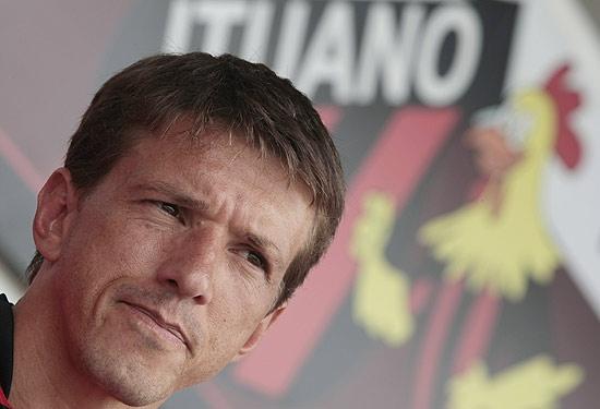Ex-jogador Juninho Paulista tem Porsche roubado em SP