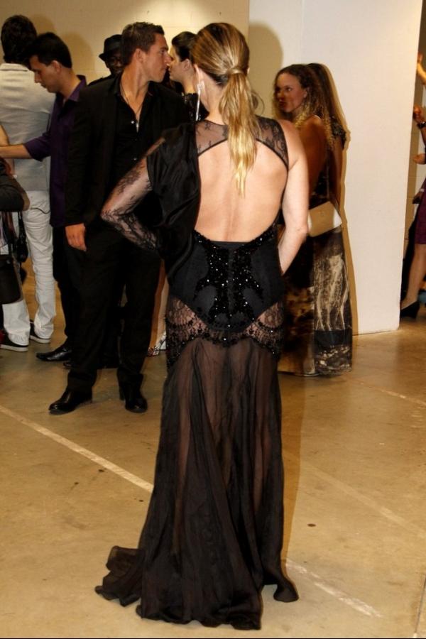 Vestido de Danielle Winits no Prêmio Multishow custa R$ 13 mil