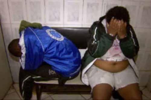 Casal é preso e pedras de crack são encontradas entre os seios da mulher