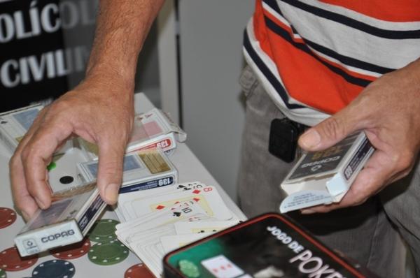 Policia estoura cassinos em J/F e prende duas pessoas envolvidas com jogos de azar