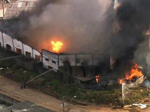 Grande Incêndio atinge uma fábrica de tintas e faz pelo menos duas vítimas