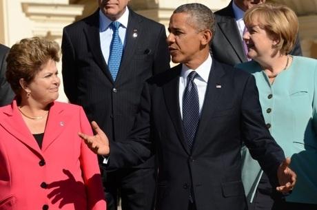 Obama se compromete a explicar espionagem ao governo brasileiro até quarta-feira, diz Dilma