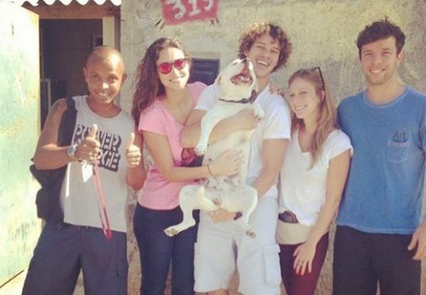 Débora Nascimento e José Loreto reencontram cadelinha desaparecida