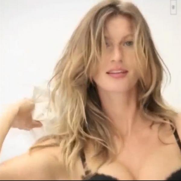 Gisele Bündchen aparece de lingerie em bastidores de campanha