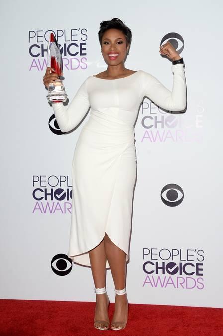 Branco está na moda! Cor foi a favorita das famosas no People?s Choice