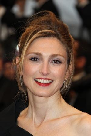 Revista revela romance entre presidente da França e atriz