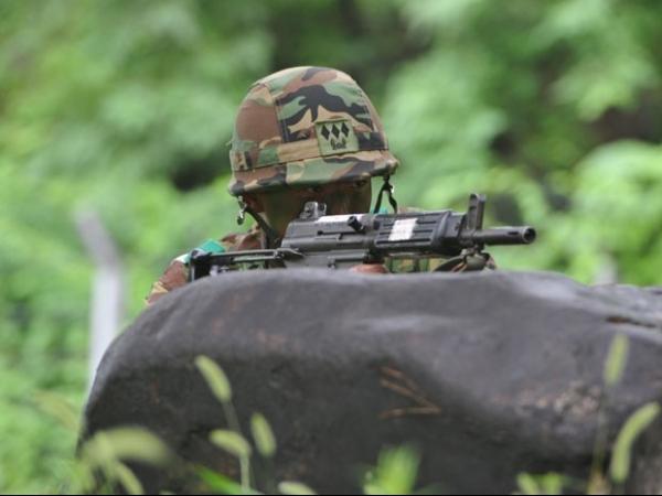 Soldado é condenado por limpar fuzil em máquina de lavar na Coreia do Sul