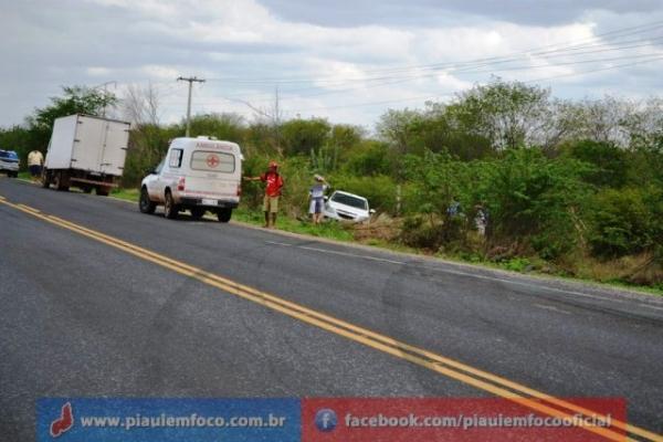 Vereadora de Fronteiras sofre acidente na BR-316. Veja fotos!
