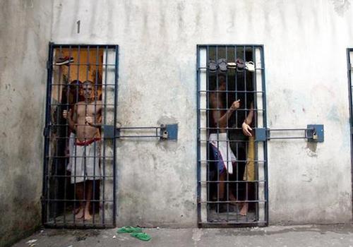 Senadores vão ao MA para ver soluções para crise penitenciária
