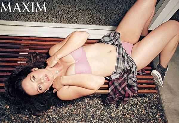 Ex-atriz mirim de seriado mostra que cresceu e posa de lingerie
