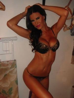 Mulher de jogador argentino é eleita a WAG mais bonita por site espanhol