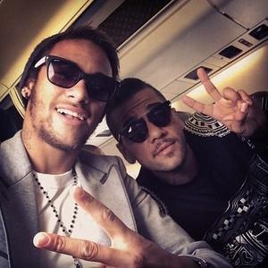 Delega鈬o do Bar軋 parte com Neymar e Messi para a Su渹a