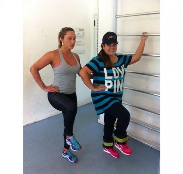 Fabiana Karla posta foto durante exerc兤io: