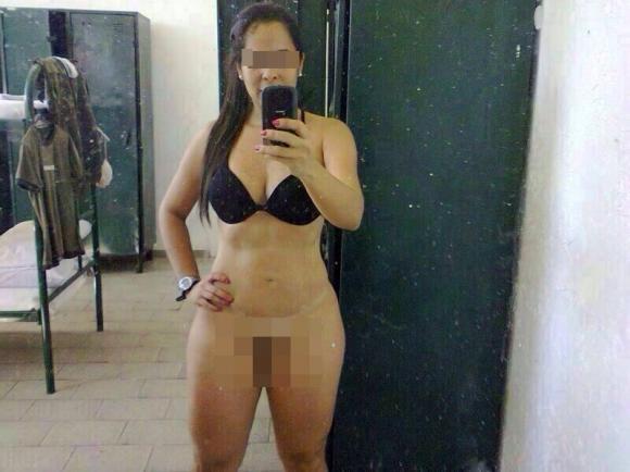 Tenente faz fotos pelada em alojamento de quartel e imagens circulam através do WhatsApp