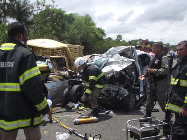 TRAGÈDIA: Grave acidente na PI 113 deixa três mortos e um ferido - Imagem 2