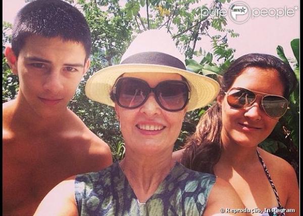 Fátima Bernardes agradece Ana Furtado no fim das férias: