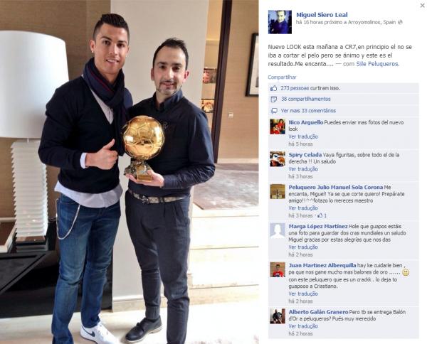 Cristiano Ronaldo exibe Bola de Ouro até para seu cabeleireiro