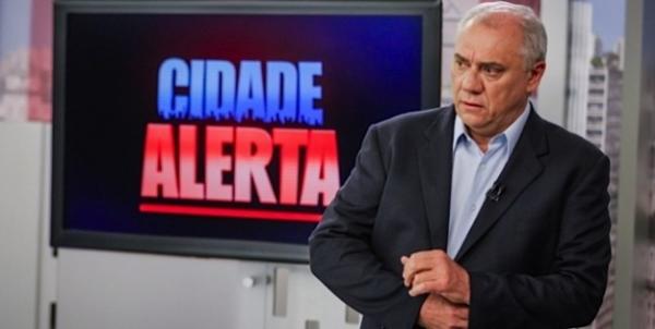 Equipe festeja férias de Rezende, e Cidade Alerta encosta na Globo