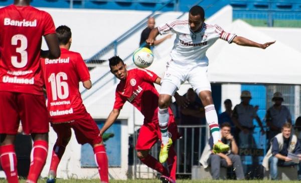 Nos pênaltis, Fluminense elimina Inter e avança à semifinal da Copa SP