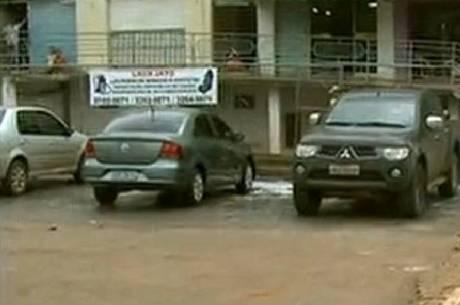 Ladrão se passa por parente, engana funcionários e rouba carro de lava-jato