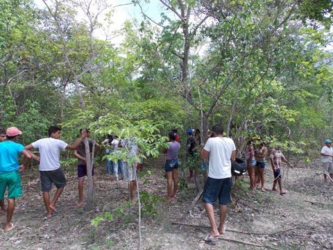 Jovem desaparecido é encontrado enforcado em matagal