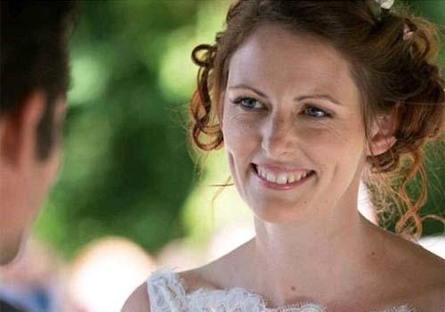 Tragédia: mulher morre logo após casamento por uso de anticoncepcional