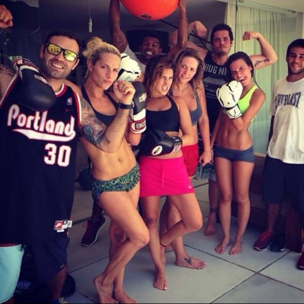 Giovanna Ewbank e Fe Paes Leme exibem boa forma em treino de boxe