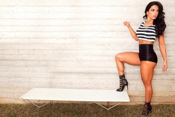 Graciella Carvalho mostra corpão e revela sua rotina de dieta e exercícios