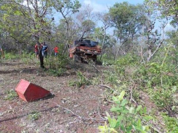 Homem morre ao ser arrastado 100 metros por S-10 na PI-113, houve feridos