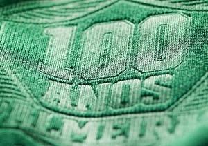 Palmeiras exibe detalhe da camisa especial do centenário