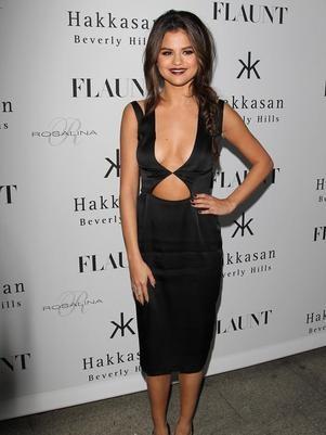 Selena Gomez nega ter recebido mensagens e fotos de Justin Bieber