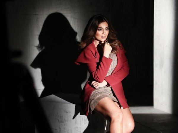 Juliana Paes estrela nova campanha do Mega Polo Moda