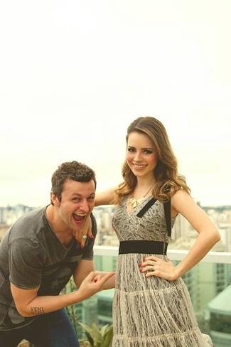 Grávida, Sandy recebe muito carinho do marido Lucas Lima