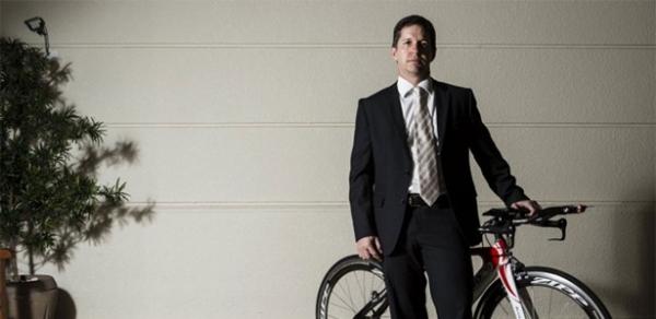 Promotor paga R$ 2 mil para bandidos e recupera bicicleta roubada