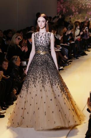 Semana de alta-costura termina com ousadia e glamour em Paris
