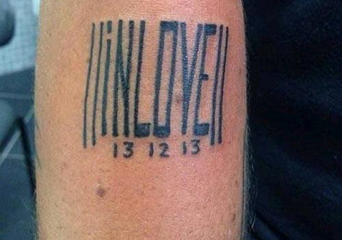 Thammy Miranda faz tatuagem em homenagem a nova namorada