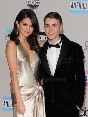 Assessoria queria afastar Bieber de Selena por ela ser