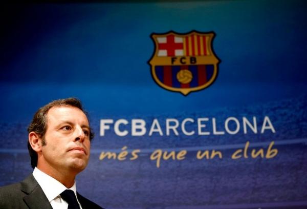 Rosell se despede dos jogadores do Barça. Novo presidente se apresenta