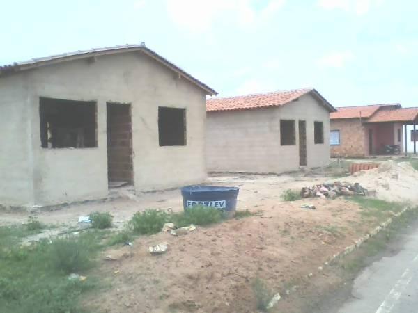 Vereador denuncia morosidade na execução de projeto de casas em Caraúbas - Imagem 5