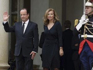 Hollande vai se separar de sua companheira, diz jornal francês