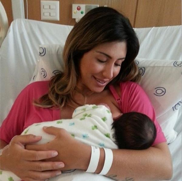 Jaque Khury posta foto com o filho Gael: